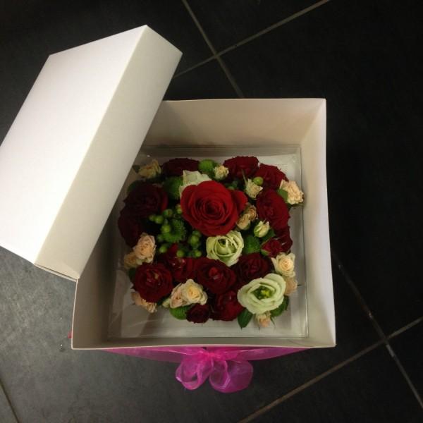 Loveloft coffret cadeaux bouquet de fleurs loveloft for Bouquet de fleurs dans une boite