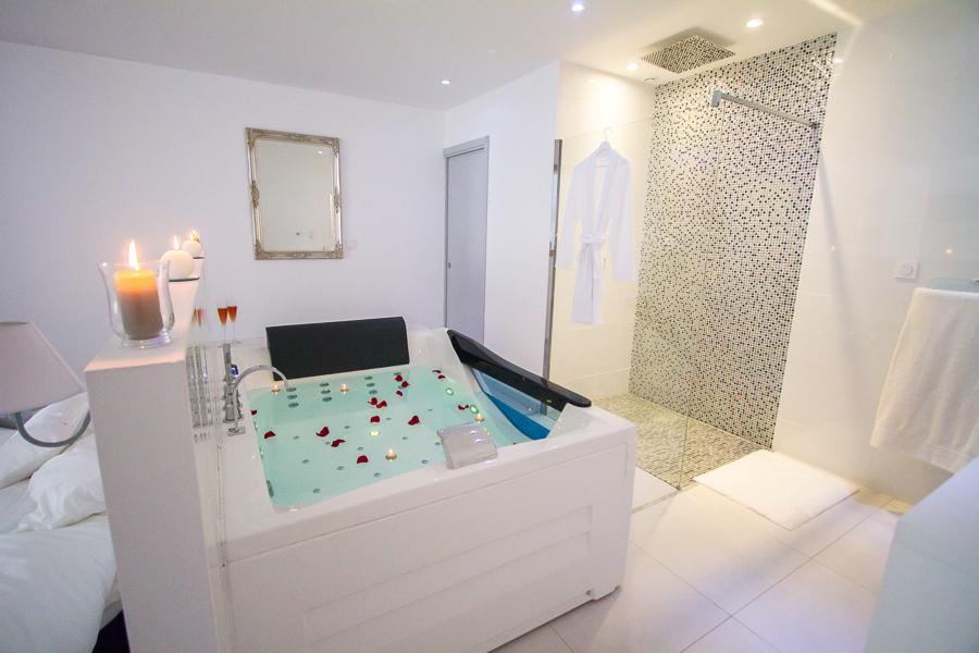 ... Le Paradis Blanc U2013 Chambre Pour Les Amoureux à Bordeaux U2013 Love Loft ...
